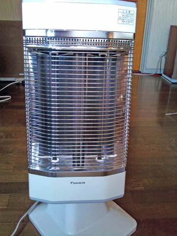 ダイキン(DAIKIN)の遠赤外線暖房機セラムヒート(ERFT11LS)