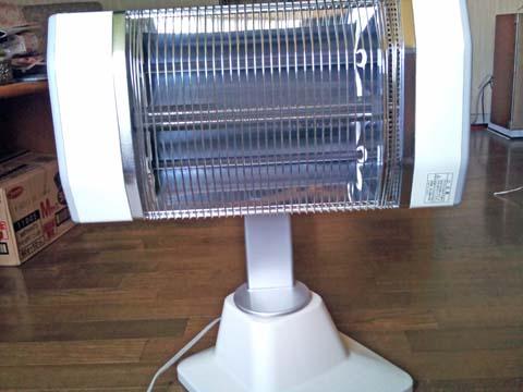 ダイキン(DAIKIN)の遠赤外線暖房機セラムヒート(ERFT11LS)は本体を回転させて横位置にできる